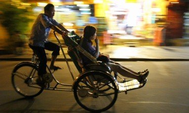 Pia Jonsson - Night Ride in Hoi An